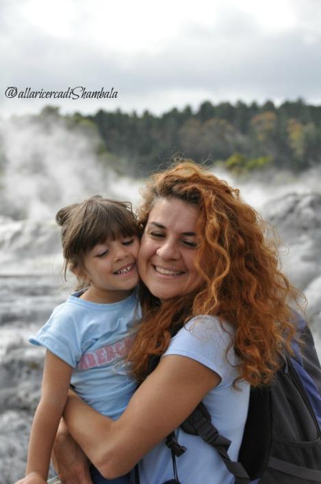 tra i geyser della Nuova Zelanda